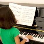 【何から始めればいいの…】ピアノ初心者でも弾ける有名で簡単な曲
